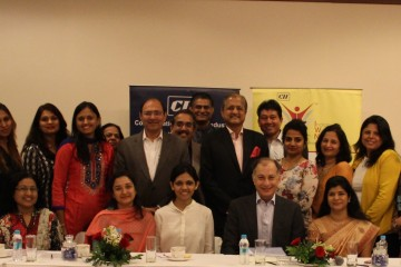 group-photo-with-dr-naushad-forbes-president-cii
