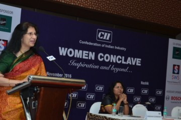 ms-kashmira-mewawala-addressing-the-particpants-at-the-women-conclave